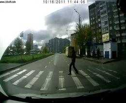 Пешеход-идиот:)