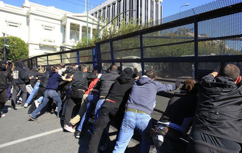 greece riots 101911 04 Беспорядки в Греции: второй день демонстраций