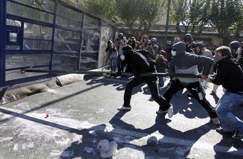 greece riots 101911 05 Беспорядки в Греции: второй день демонстраций