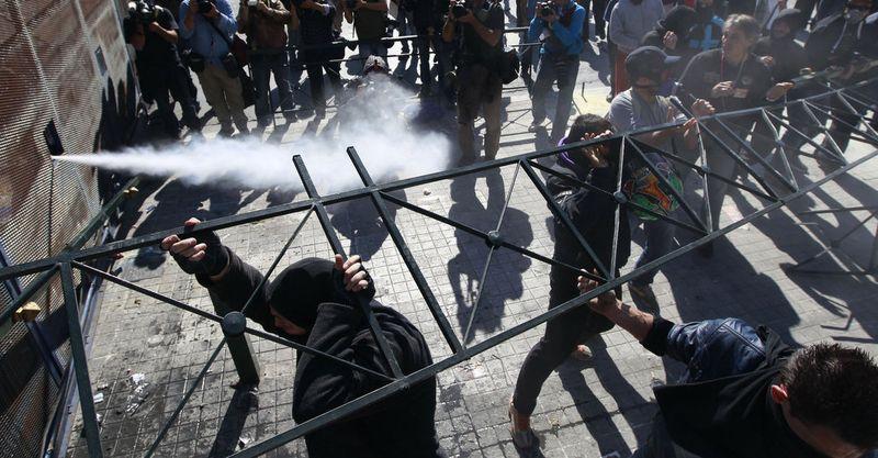 greece riots 101911 07 Беспорядки в Греции: второй день демонстраций