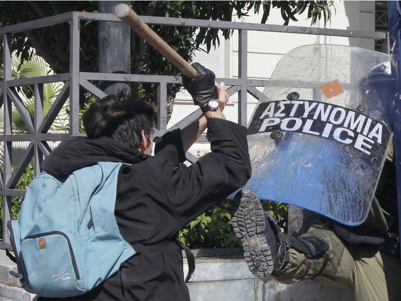 greece riots 101911 11 Беспорядки в Греции: второй день демонстраций