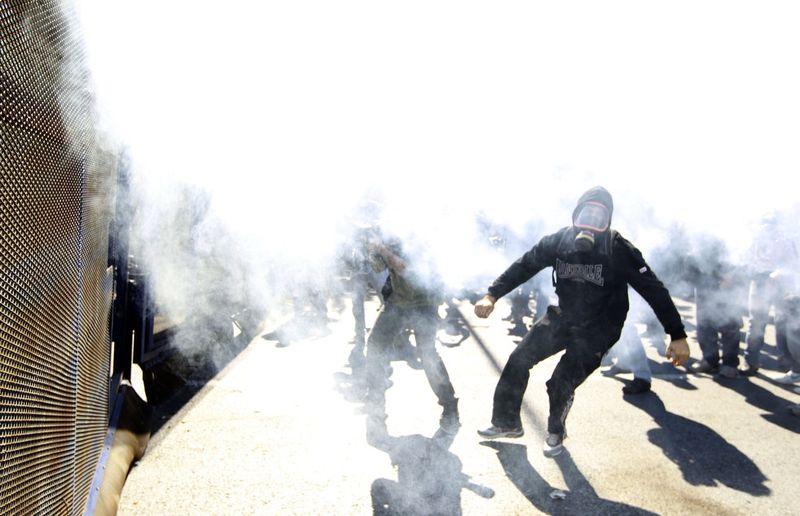 greece riots 101911 13 Беспорядки в Греции: второй день демонстраций