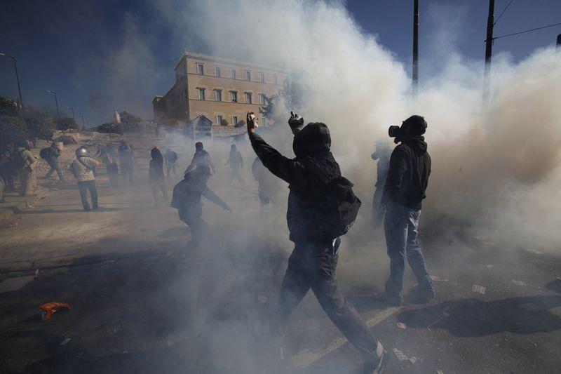 greece riots 101911 17 Беспорядки в Греции: второй день демонстраций