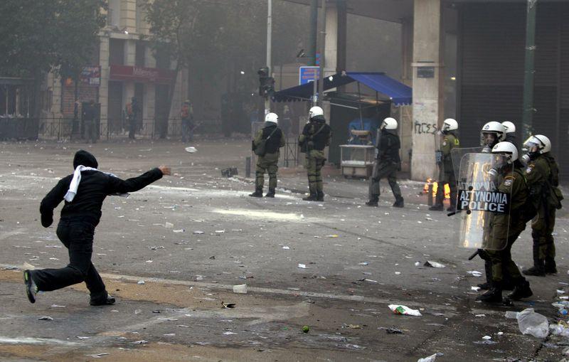 greece riots 101911 18 Беспорядки в Греции: второй день демонстраций