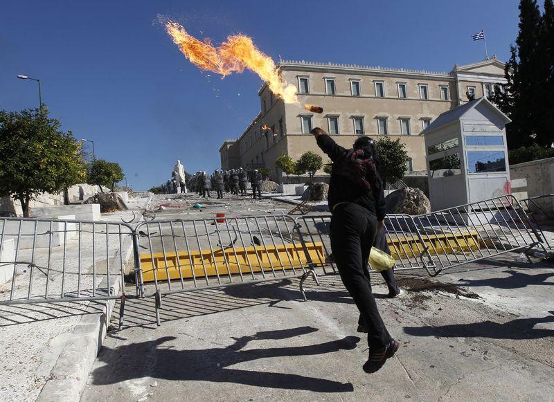 greece riots 101911 23 Беспорядки в Греции: второй день демонстраций