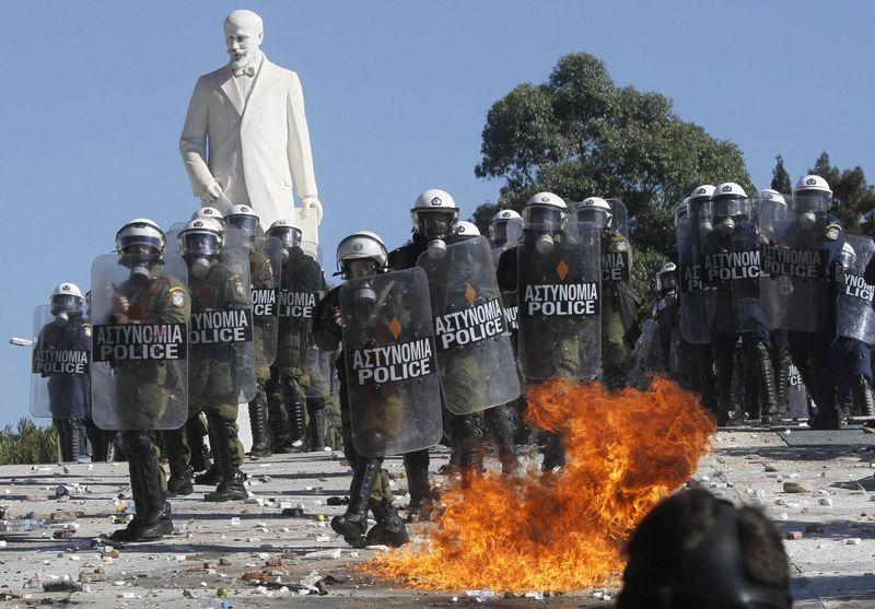 greece riots 101911 24 Беспорядки в Греции: второй день демонстраций