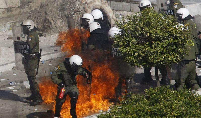 greece riots 101911 25 Беспорядки в Греции: второй день демонстраций