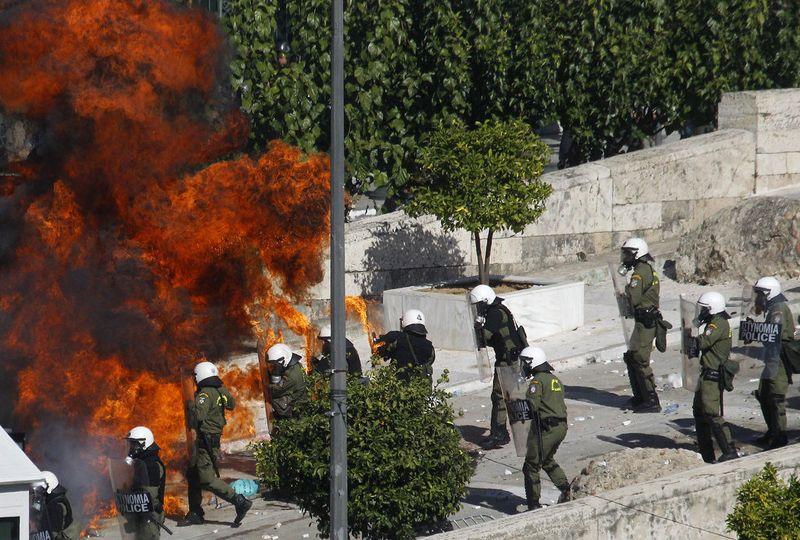 greece riots 101911 26 Беспорядки в Греции: второй день демонстраций