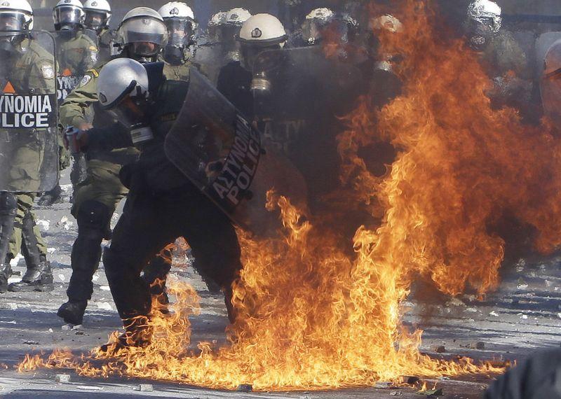 greece riots 101911 27 Беспорядки в Греции: второй день демонстраций