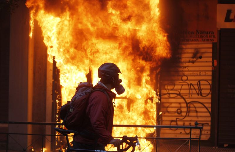 greece riots 101911 35 Беспорядки в Греции: второй день демонстраций