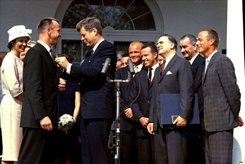 s f46 01010160 50 лет назад   мир в 1961