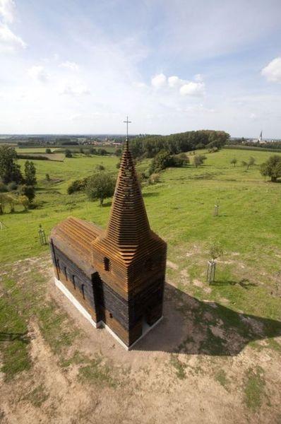 Классная прозрачная церковь (7 фото)