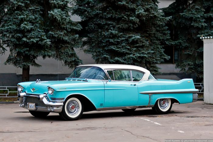 Фотосессия Cadillac Coupe Deville 1957 (20 фото)