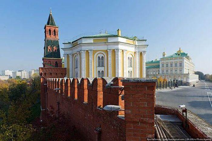 Прогулка по Кремлю (84 фото)