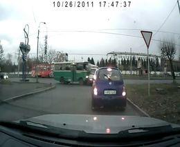 Автобус протаранил Газель