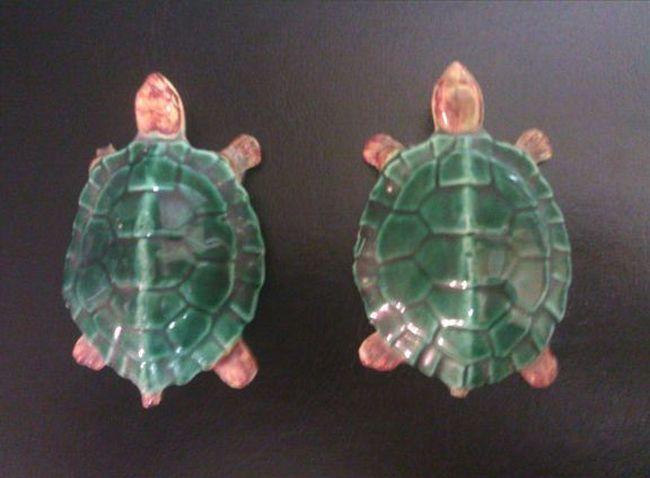 Сувенирные черепашки из Китая символизируют крепкие отношения (2 фото)