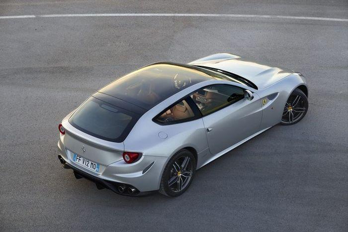 Ferrari FF получил панорамную крышу (6 фото)