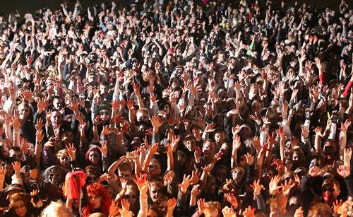 Английский зомби-фестиваль попал в книгу рекордов Гиннеса (5 фото)
