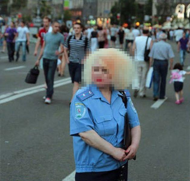 Суровая украинская милиция (3 фото)