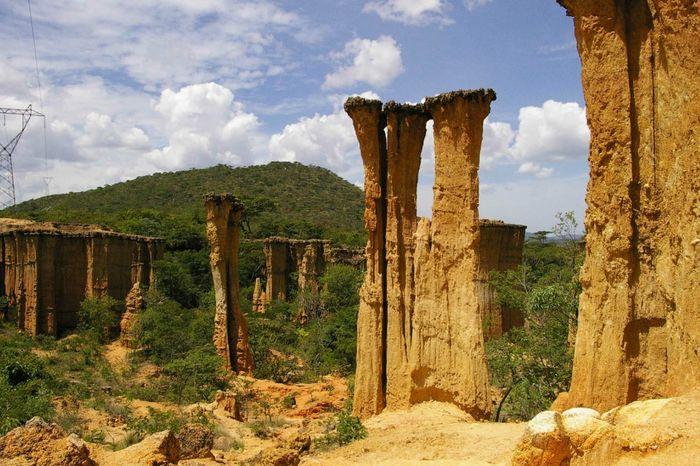 Ущелье Исимила (6 фото)