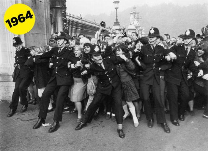 Реакция девочек на Beatles (19 фото)