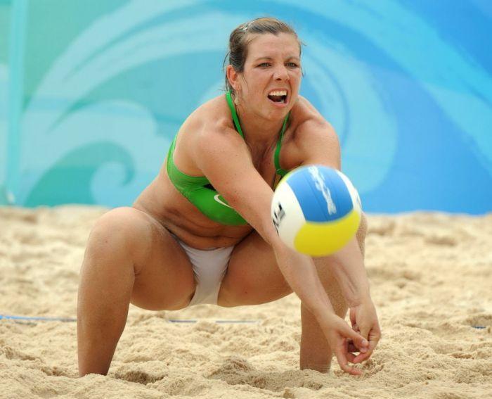 Трусики спортсменок неудачные фото, секс фото мамочек с огромными попами