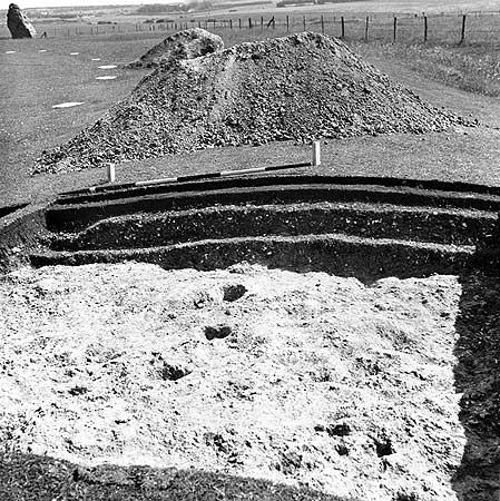 restavraciya 0002 (FOTO) VELIKA BRITANSKA PREVARA: Stounhendž je sagrađen 1954. godine!!!