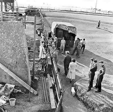 restavraciya 0012 (FOTO) VELIKA BRITANSKA PREVARA: Stounhendž je sagrađen 1954. godine!!!