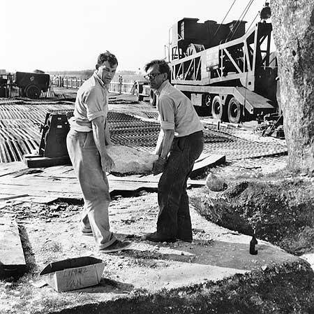 restavraciya 0022 (FOTO) VELIKA BRITANSKA PREVARA: Stounhendž je sagrađen 1954. godine!!!