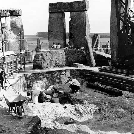 restavraciya 0049 (FOTO) VELIKA BRITANSKA PREVARA: Stounhendž je sagrađen 1954. godine!!!