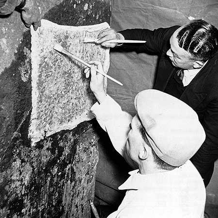 restavraciya 0053 (FOTO) VELIKA BRITANSKA PREVARA: Stounhendž je sagrađen 1954. godine!!!