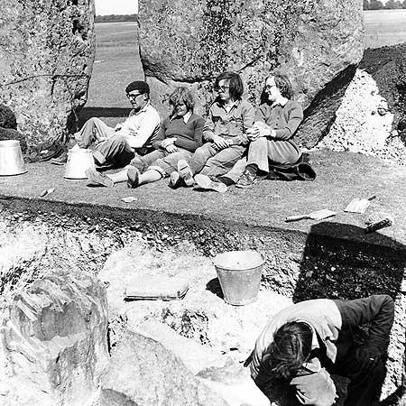restavraciya 0085 (FOTO) VELIKA BRITANSKA PREVARA: Stounhendž je sagrađen 1954. godine!!!