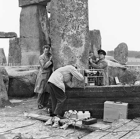 restavraciya 0097 (FOTO) VELIKA BRITANSKA PREVARA: Stounhendž je sagrađen 1954. godine!!!