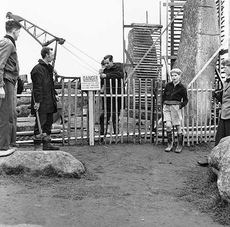 restavraciya 0102 (FOTO) VELIKA BRITANSKA PREVARA: Stounhendž je sagrađen 1954. godine!!!