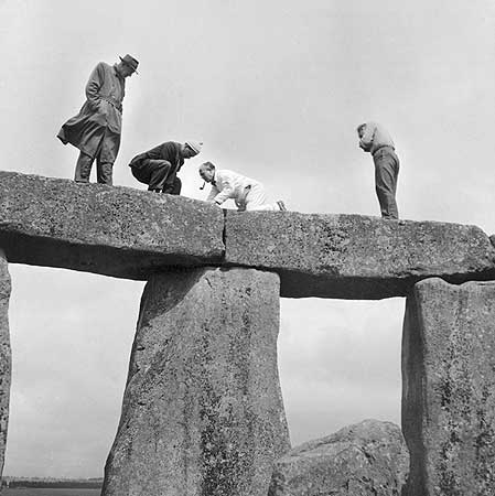 restavraciya 0105 (FOTO) VELIKA BRITANSKA PREVARA: Stounhendž je sagrađen 1954. godine!!!