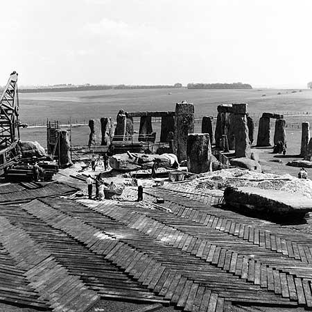 restavraciya 0107 (FOTO) VELIKA BRITANSKA PREVARA: Stounhendž je sagrađen 1954. godine!!!