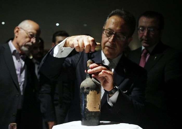 В Лондоне приготовили самый дорогой коктейль в мире (2 фото)