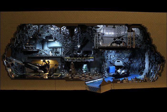 Пещера Бэтмена из конструктора Лего (11 фото)