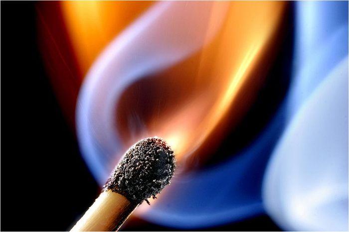 Красота горящей спички (14 фото)