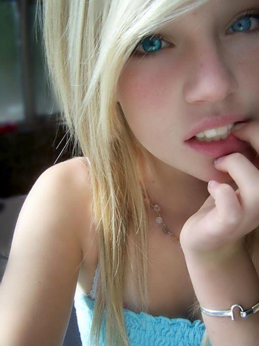 18 летние девочки порево онлайн