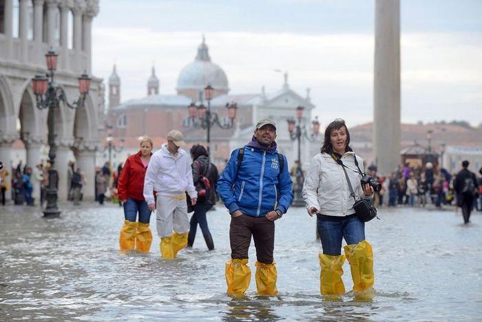 Затопленная площадь Сан-Марко, Венеция (10 фото)
