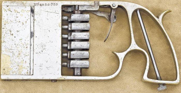 Пистолет для бумажника (11 фото)