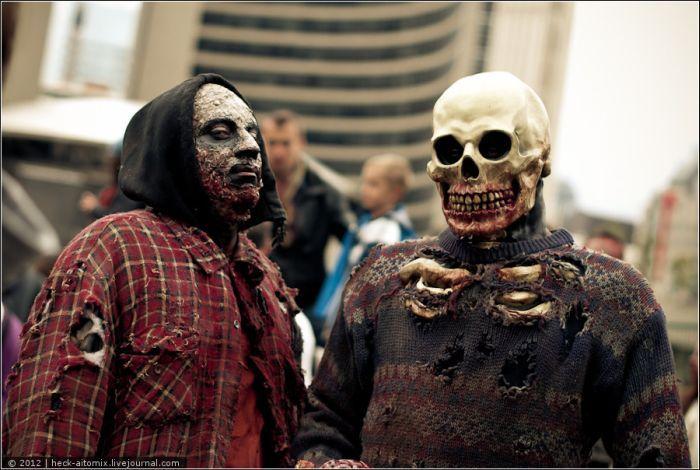 Парад зомби в Торонто (75 фото + 1 видео)