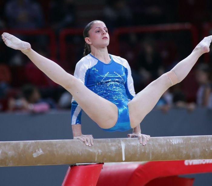 Онлайн гимнастика курьезы фото зрелых дамочек