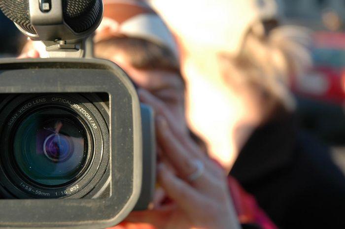 Видеокамеру нужно держать всегда под рукой (8 фото)