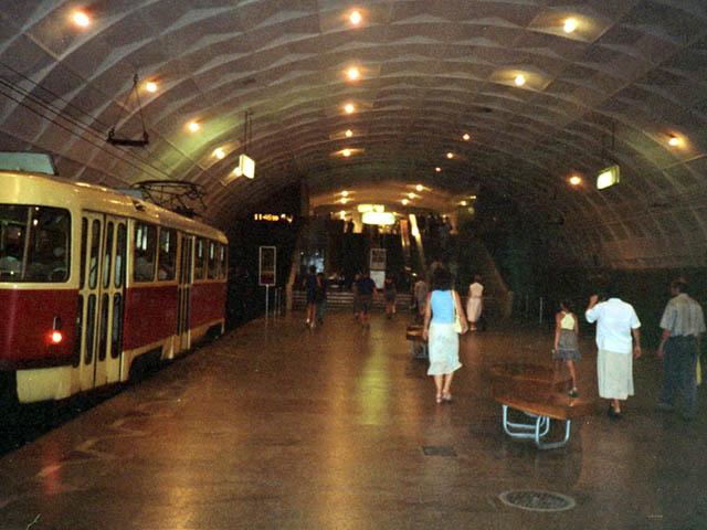 То трамвай нечайно поехал в метро