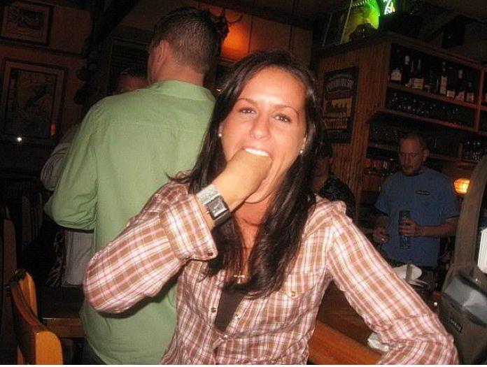 фото бритого русского члена у жены во рту женский сайт женской