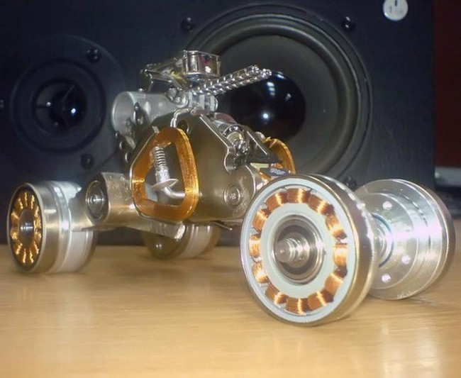 Машинка из винчестера (3 фото)