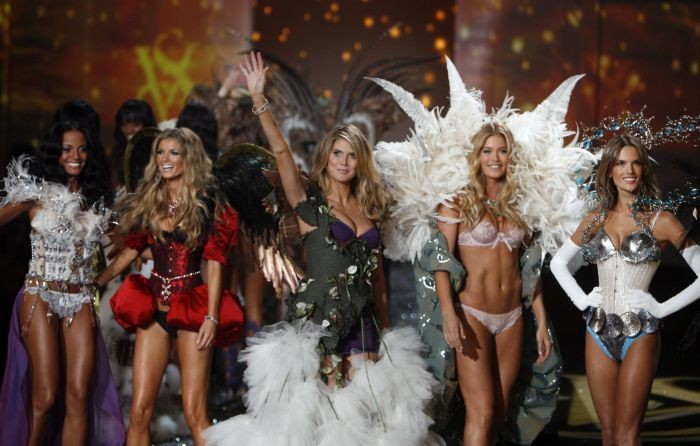 Супершоу Victoria Secret 2009 (98 фото)