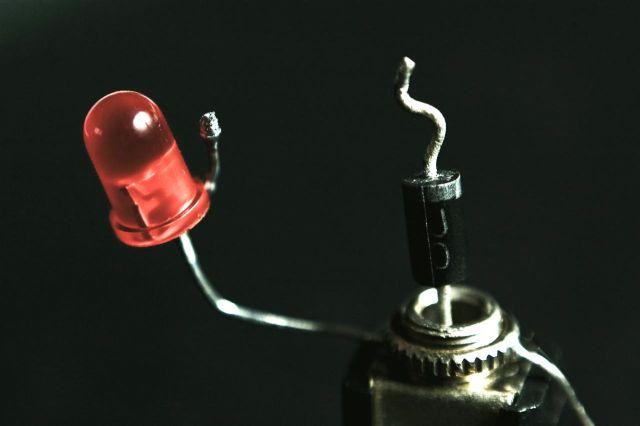 Жизнь радиодеталек (37 фото)
